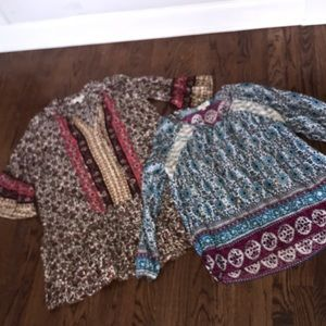 Lot of 2 Umgee tops in size medium